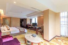 温泉酒店好去处——花水湾第一村温泉大酒店  非常不错的酒店,温泉环境也很舒服,空气清新,服务也相当好