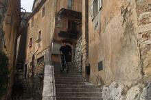 中世纪古老的法国埃兹小镇,悬崖上小镇值得走一趟