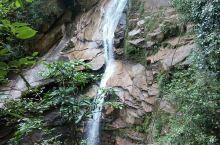 龙川大峡谷 龙川大峡谷坐落在武夷山自然保护区内,峰峦叠翠叠泉流瀑。