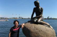 美人鱼铜像