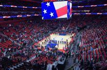 NBA开赛前唱国歌