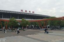湖北宜昌长阳清江十里画廊。。。,有八百里清江美如画,三百里画廊在长阳的说法。宜昌水美景美人更美,四大
