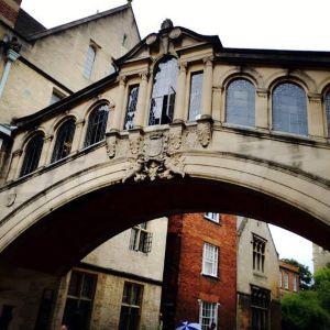 牛津叹息桥旅游景点攻略图