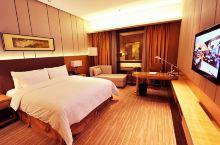 值得一去的酒店——徐州博顿温德姆酒店  温德姆酒店位于徐州东郊的金龙湖畔,环境优美,规划一流,靠近市