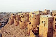 大漠中的传奇古堡,杰沙梅尔堡
