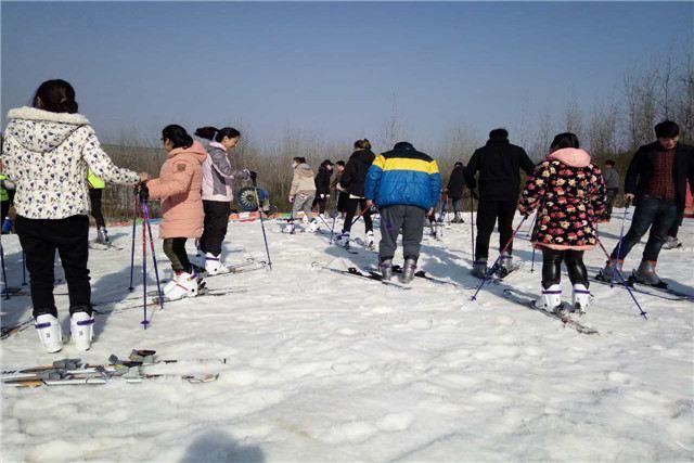 Tieshan Temple Ski Resort1