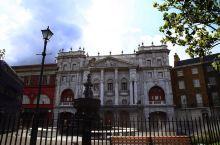 去一百次也不会腻的哈利波特园:通往Diagon Alley的伦敦街区