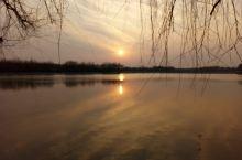 晚霞中的龙湖