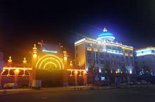 海拉尔街景和成吉思汗广场夜色美
