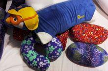 推荐购买RoyalLatex的橡胶保健枕 泰国属于热带地区,出产的橡胶非常不错,这个Royal La