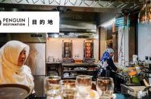 在这个魔幻的江南小城里,来一场烤肉和大饼的狂欢!