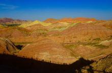 有一种美叫张掖七彩丹霞 张掖丹霞地质公园位于甘肃省张掖市临泽县城以南30公里,是中国丹霞地貌发育最大