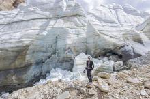 曲登尼玛冰川