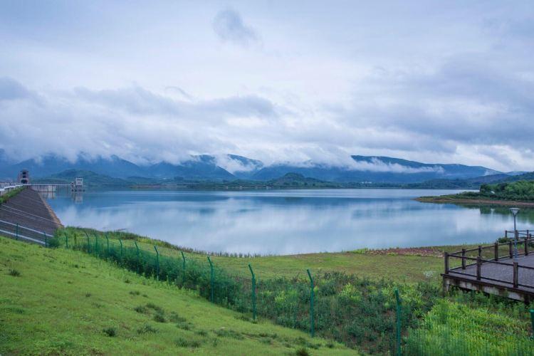 Yangshuo Lake Deep Oxygen Park3