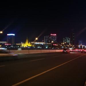 世纪广场旅游景点攻略图