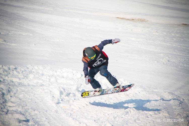 Zengjiashan Ski Resort2