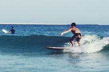 跟冲浪教练一起寻觅大东海的美幻之境