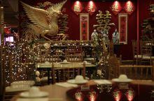 龙凤大酒楼  广东人不管在哪儿都能做出地道好吃的粤菜,真的太厉害了,反倒是到了北方,味道感觉总是差