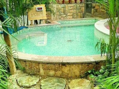Zhonghai Hot Springs