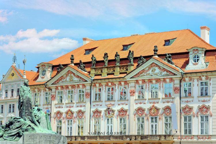Kinsky Palace2