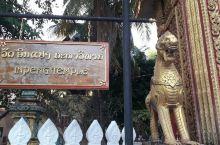 老挝的Inpeng Temple寺院内有精美的壁画l.