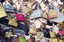 巴黎爱桥上的锁