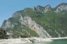 长江三峡(游轮)之…神女峰,神女溪。