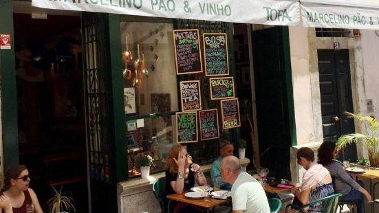 Marcelino Pao & Vinho