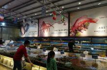 舌尖上的顺德之国通海鲜城 选购海鲜的海鲜池 就餐环境 本地白切鸡 龙趸鱼二食之炒球 龙趸鱼二食之蒸骨