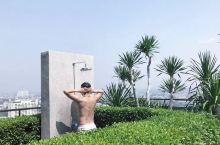 洋气的公寓,无边泳池,海天一色