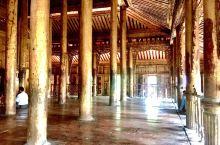 金色宫殿僧院,缅甸少有的纯柚木寺院之一
