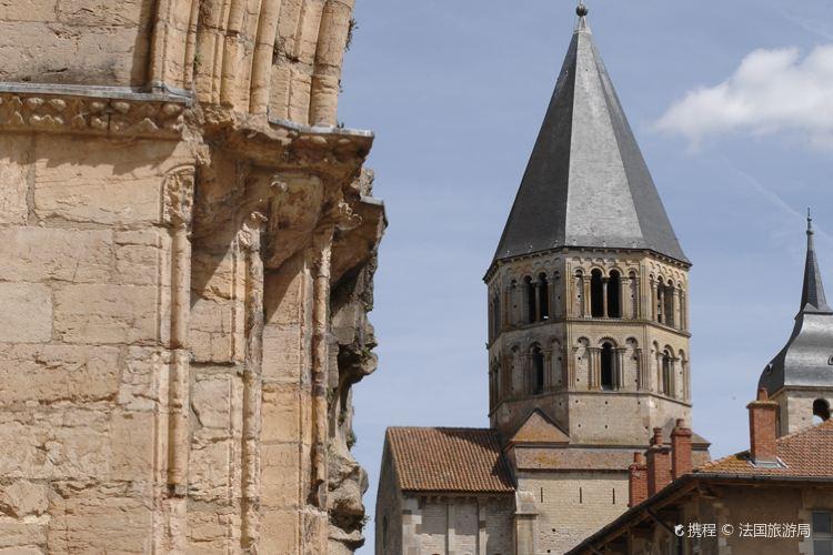 克呂尼修道院2