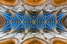 爱丁堡宗教枢纽 圣吉尔斯大教堂