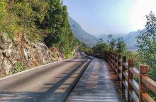兴义万峰林:喀斯特奇观 万峰林位于贵州省兴义市东南部,是国家级风景名胜区、国家AAAA级景区、中国最
