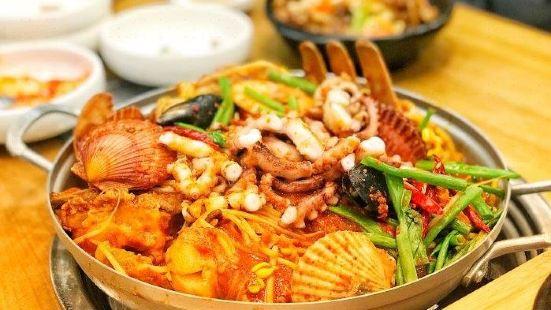 萬壽參雞湯(琿春南路店)