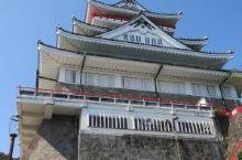 建在山顶的城堡——热海市热海城  热海城不是一座城市,而是是一座漂亮的观光设施,相当于建在山顶上的城