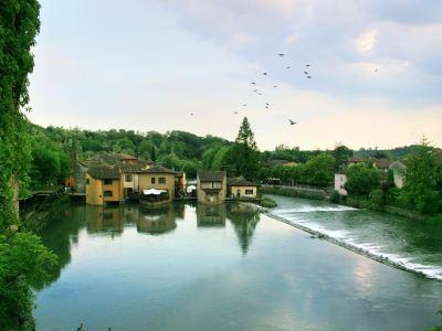 Verona Village