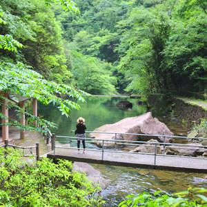 桐庐游记图文-吹过了三月的风,淋过了四月的雨,我们在富春山水画廊与江南古镇间步入了初夏五月。