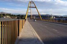 贵德黄河大桥。