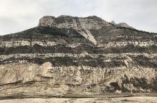 左看右看奇特大山