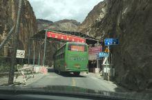 怒江桥是318国道上的咽喉要道,一夫当关 ,万夫莫开。