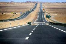 """秒杀""""66号公路""""的京新高速全线通车!穿越茫茫沙漠,跨过500公里无人区,一路美到新疆!"""