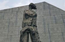 在抗战胜利纪念日写下的大屠杀遇难同胞纪念 今天是抗战胜利纪念日,特地来写下南京大屠杀遇难同胞纪念馆,