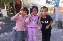 活泼而纯朴的维吾尔儿童