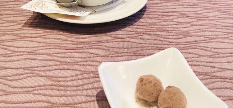 Schneider's Cafe Restaurant1