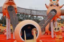 亲子体验团招募 全球首个猪猪乐园、《红楼梦》取景地邀你免费玩!