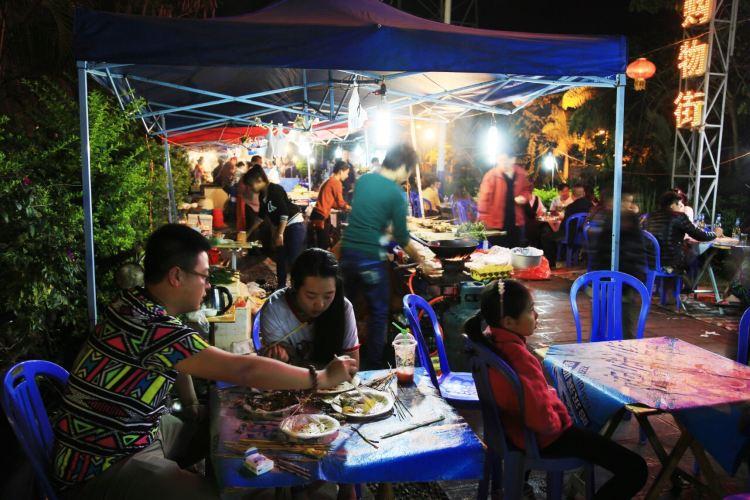 Riverside Night Market1