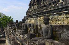 婆罗浮屠,仿佛来到一千年以前