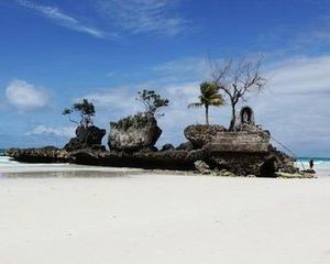 圣母礁岩旅游景点攻略图