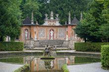 【萨尔茨堡最有趣的别墅:海尔布伦宫】  海尔布伦宫是一座巴洛克别墅,1612年萨尔茨堡的马尔库斯·西